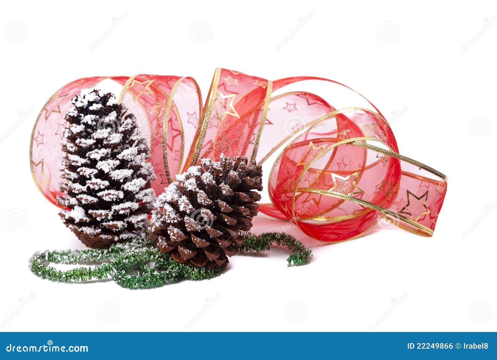 #A52628 Décoration De Noël Avec Des Pinecones Tresse Verte 6115 decoration de noel verte 1300x957 px @ aertt.com