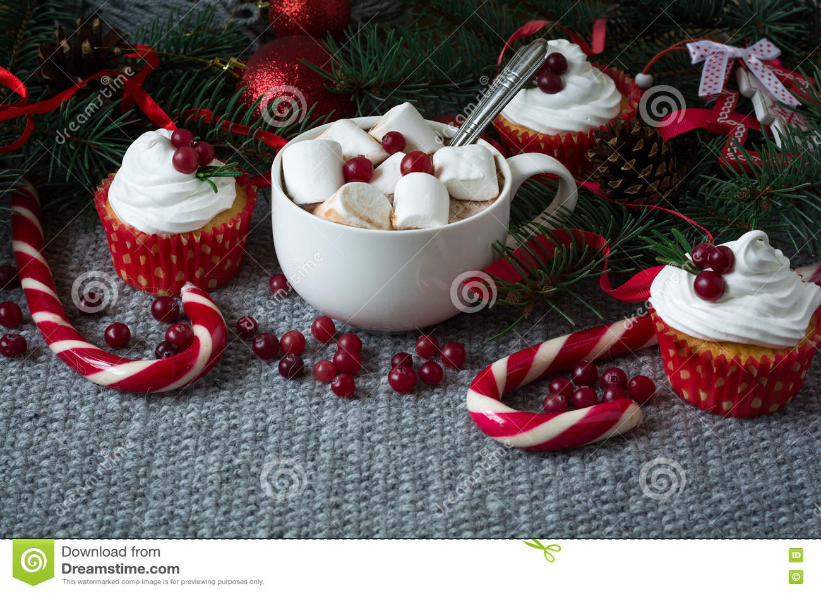 d coration de no l chocolat chaud avec la guimauve photo stock image 80201862. Black Bedroom Furniture Sets. Home Design Ideas