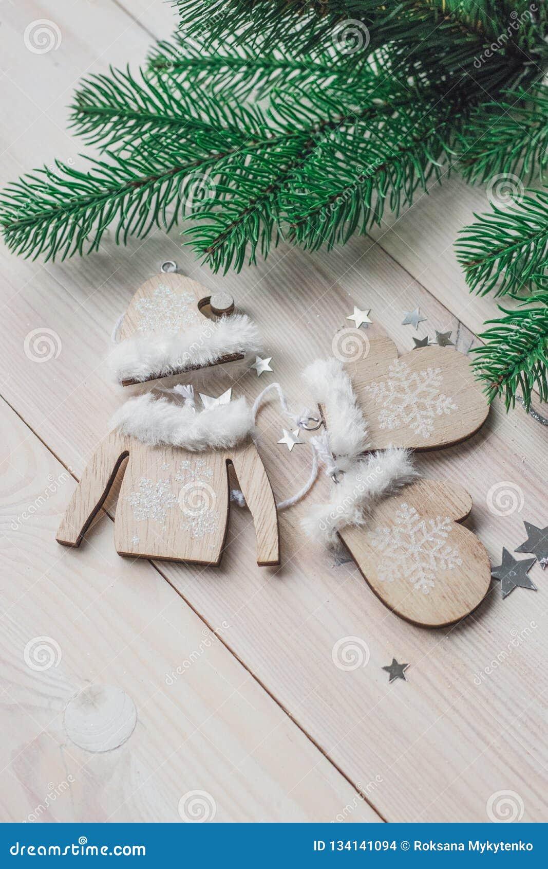 Arbre Bois Blanc Decoration décoration en bois de noël - mitaines de noël, chapeau
