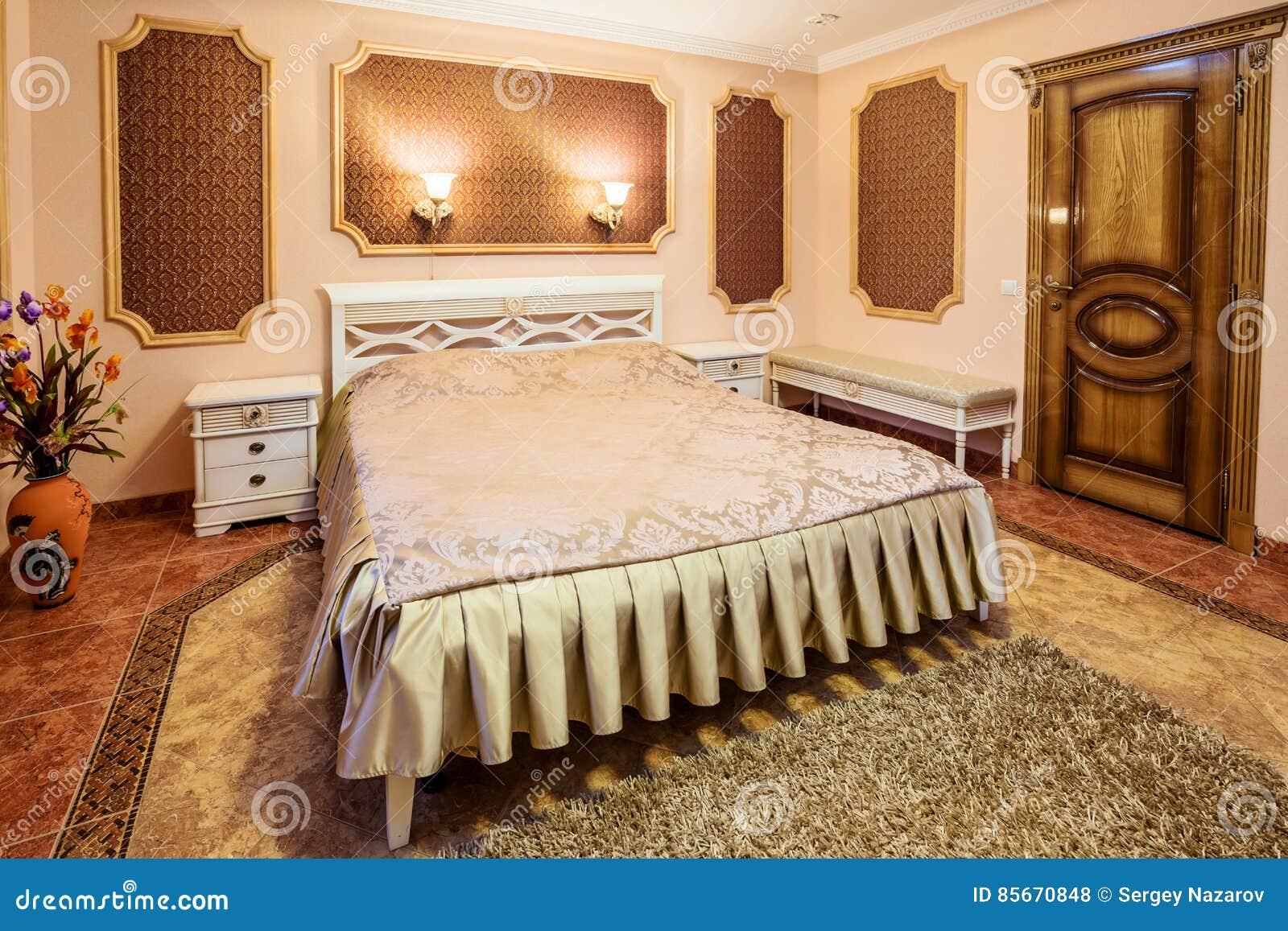Décoration Et Meubles Dans La Chambre à Coucher Moderne ...