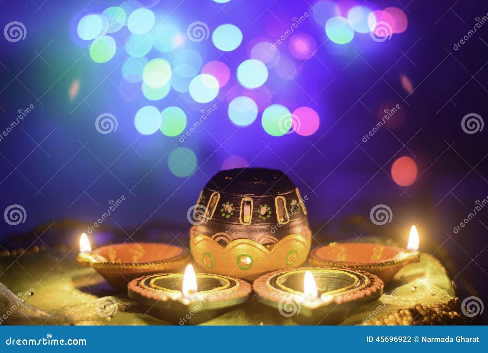 Décoration indienne de lampe à pétrole de Diwali de festival