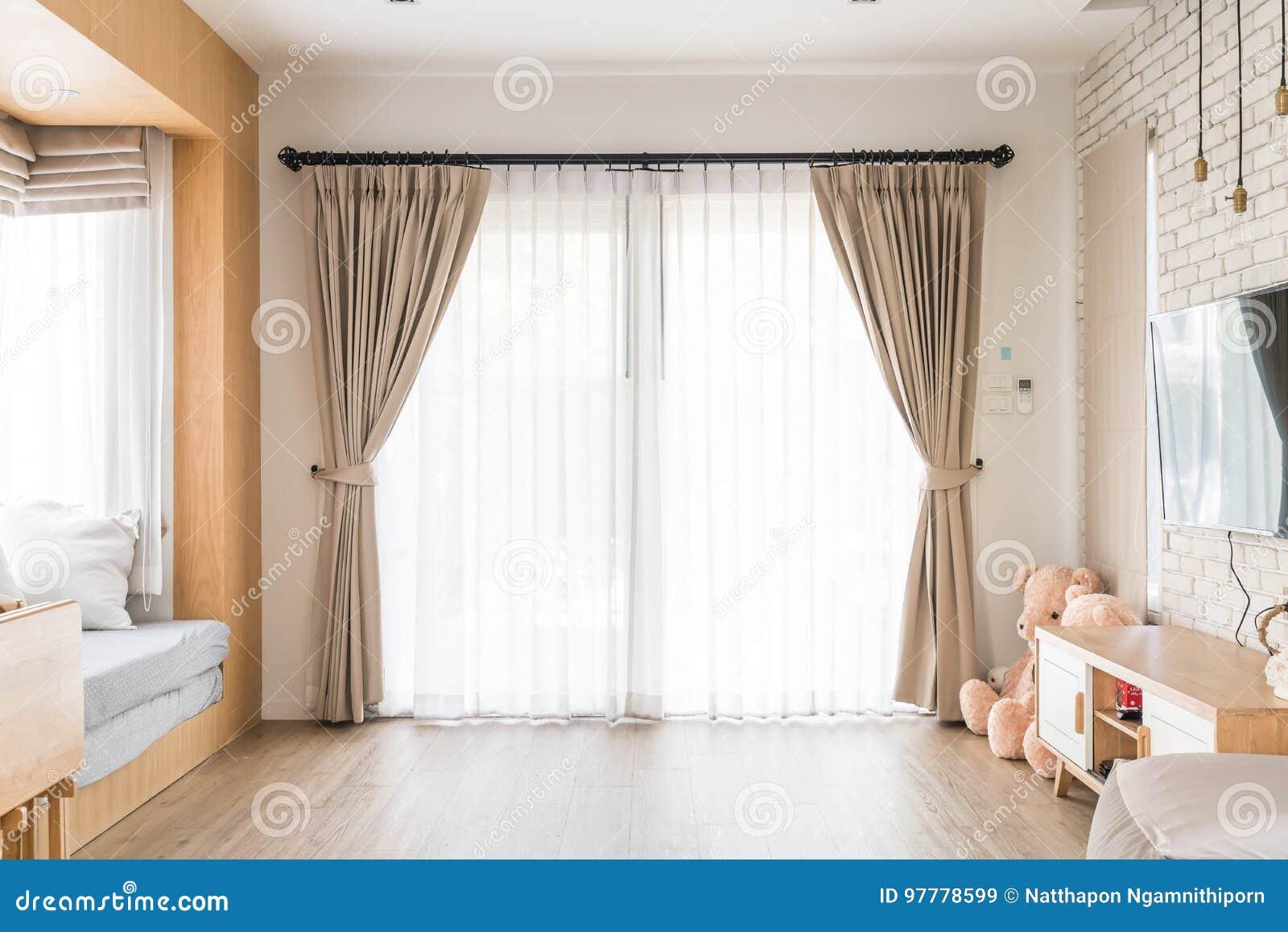 d coration int rieure de rideau dans le salon image stock. Black Bedroom Furniture Sets. Home Design Ideas