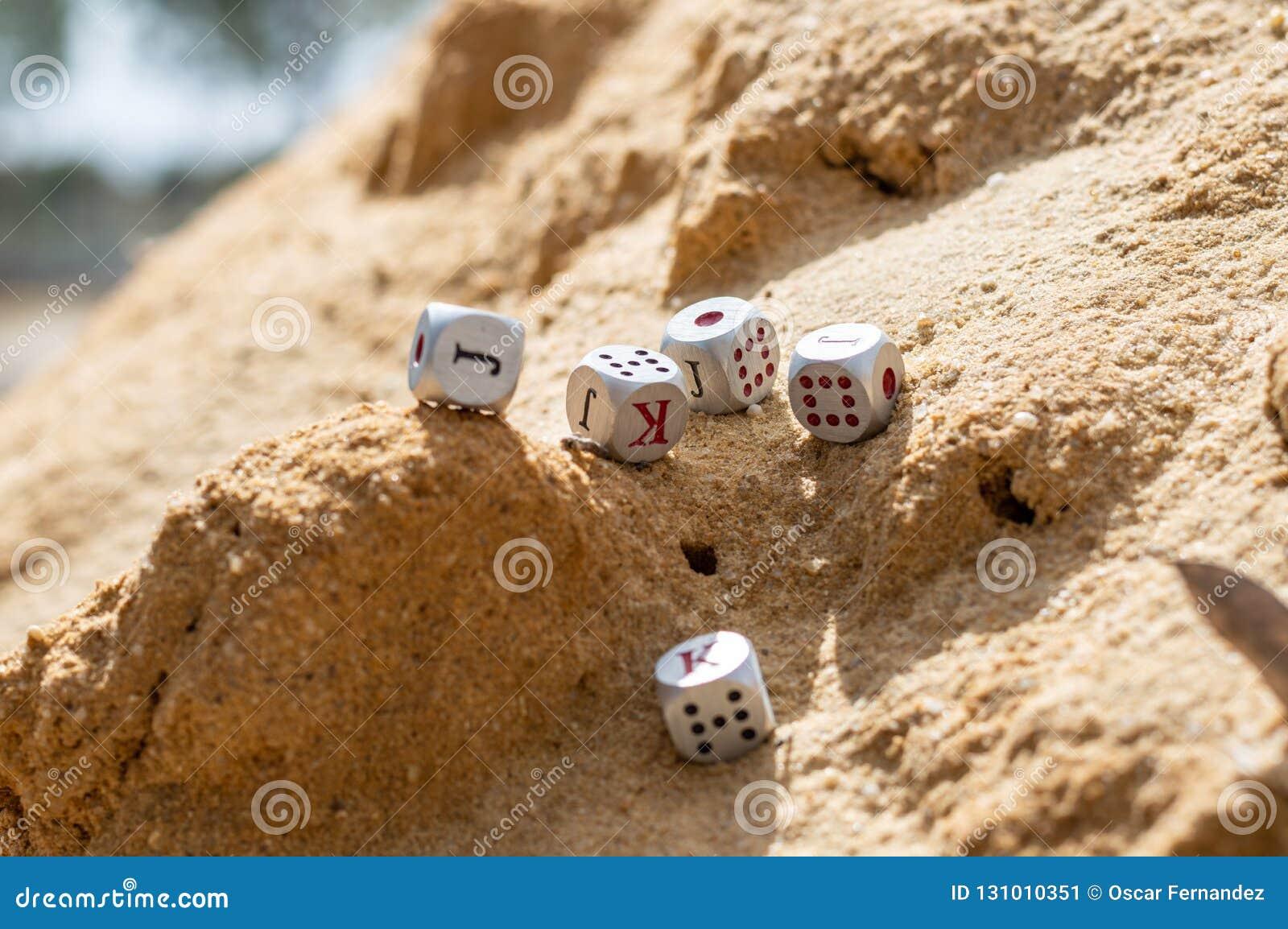"""Découpez """"s élever """"par les dunes"""