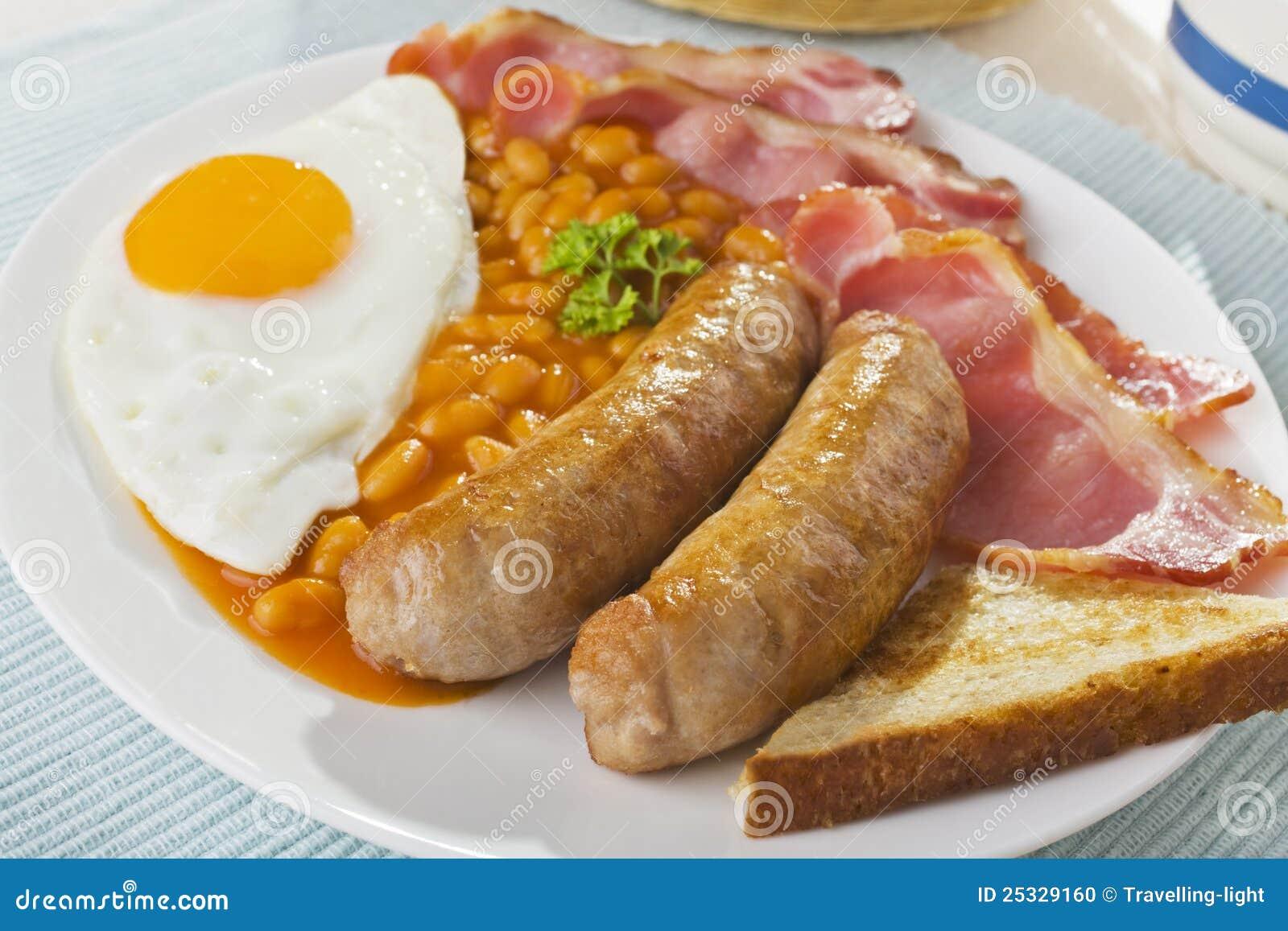 D 233 jeuner anglais de lard d oeuf sur le plat de saucisses cuites au