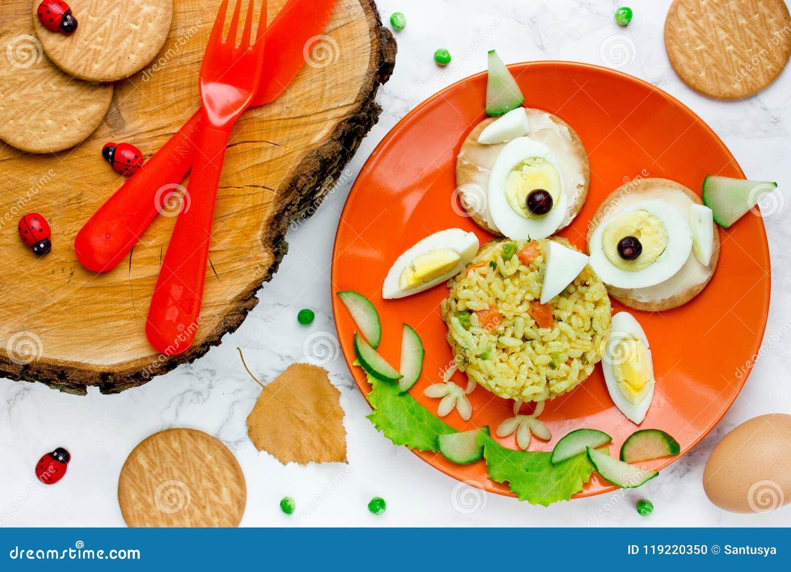 Déjeuner De Hibou De Halloween Pour Des Enfants Oeuf à La Coque