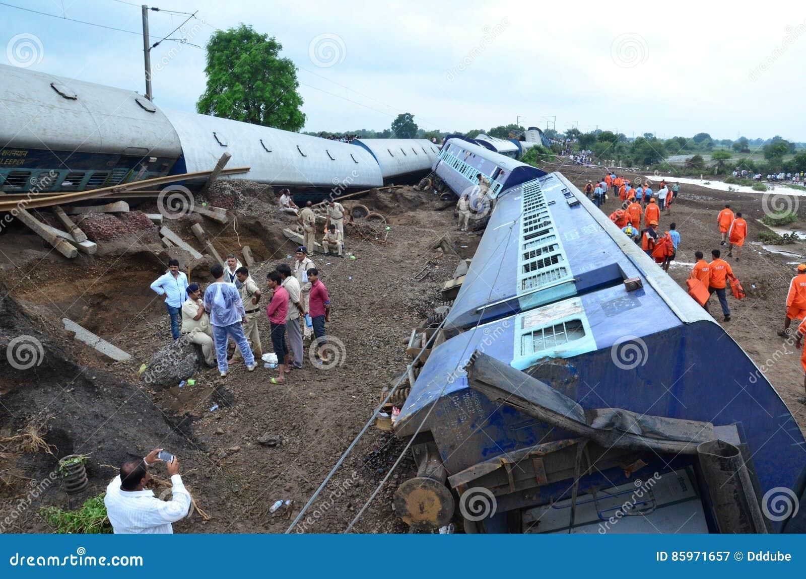 Désastre de Rio de Janeiro d inondation : Déraillement de train