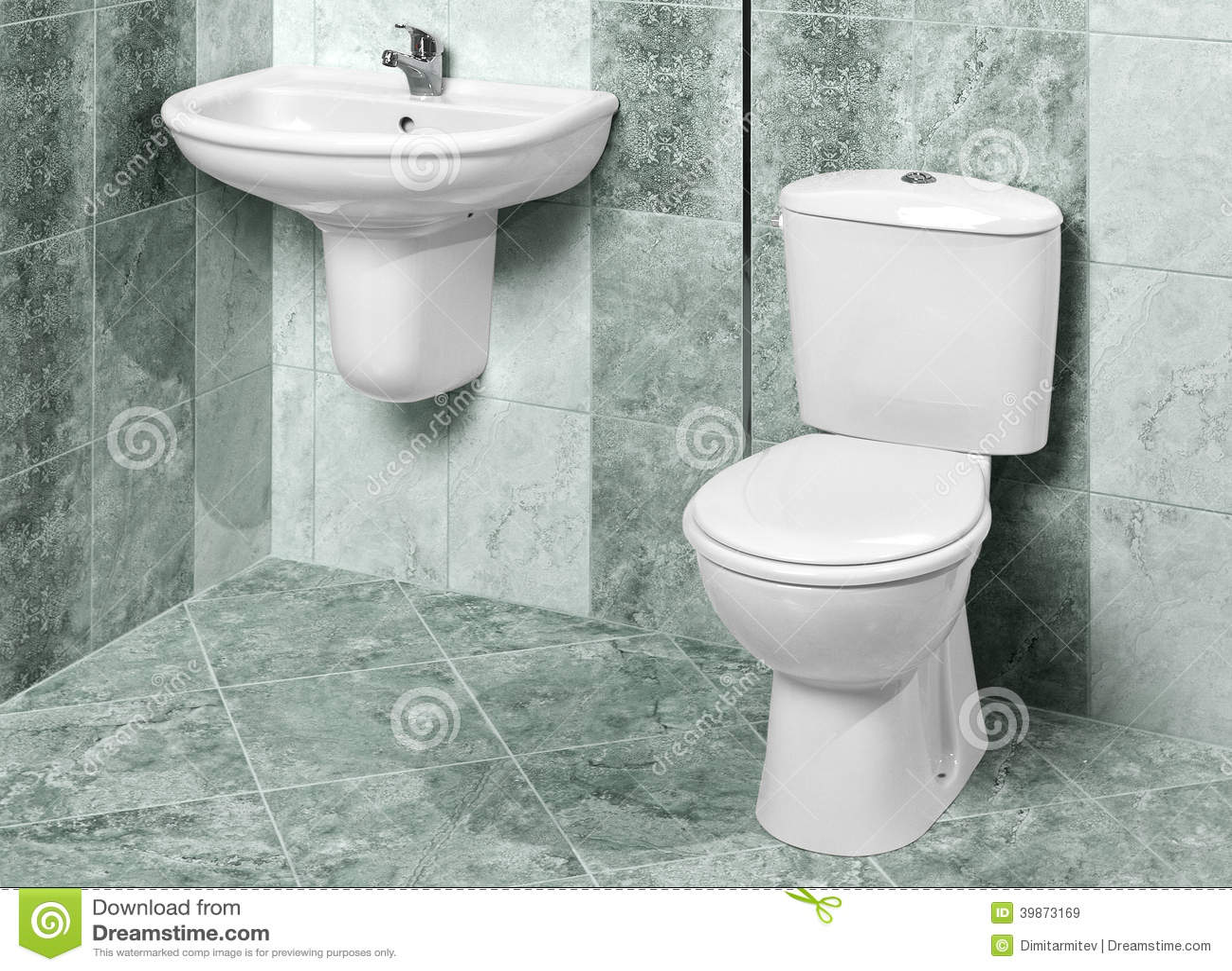 Détail d un intérieur moderne de salle de bains en marbre vert