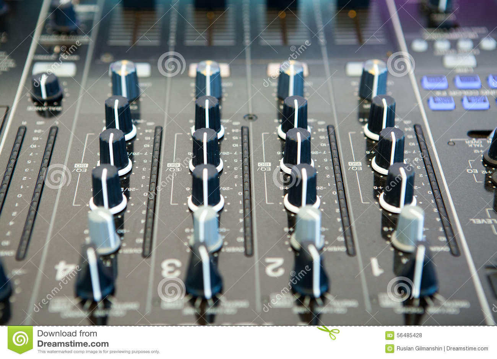 Détail d un mélangeur de musique dans le studio