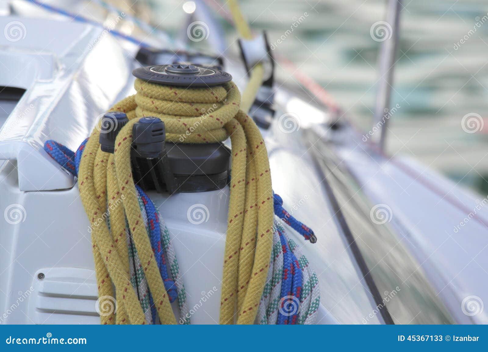 Détail de bateau à voile de treuil