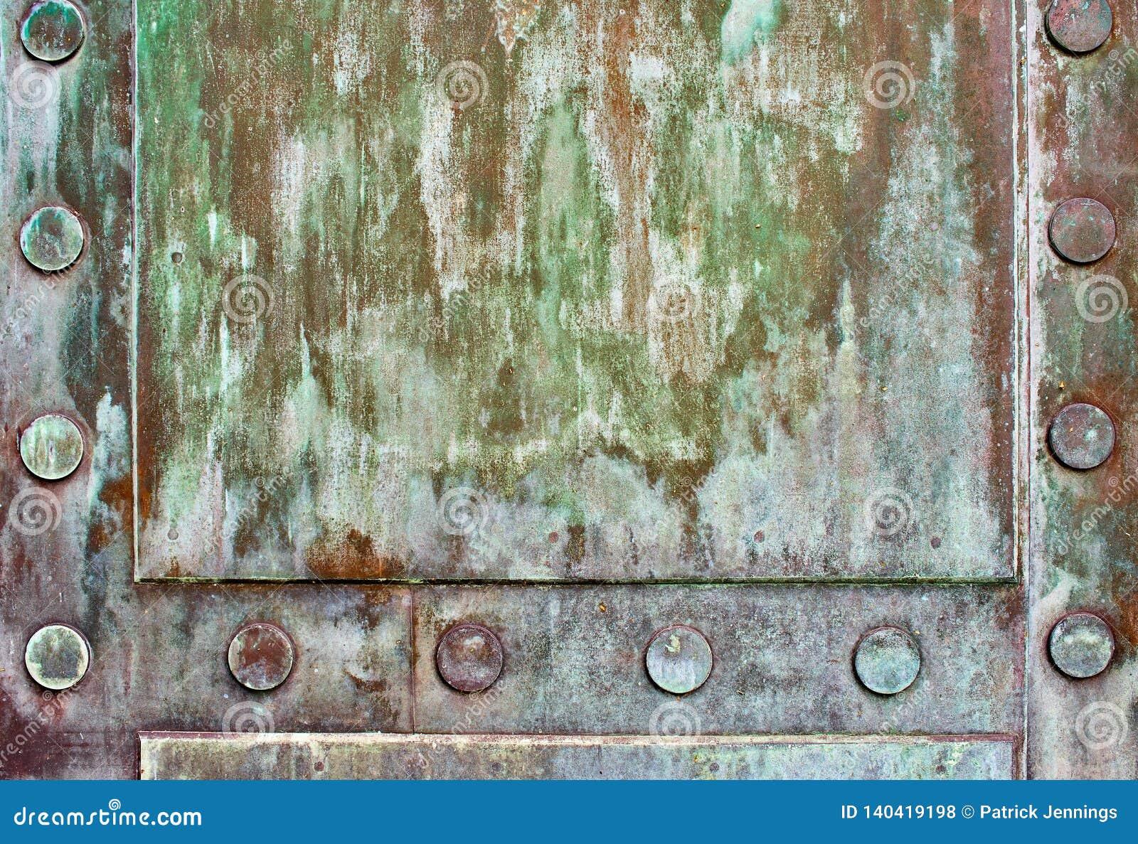 Détail de la porte en bronze