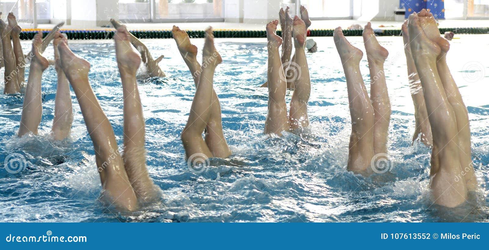 Détail de natation synchronisée
