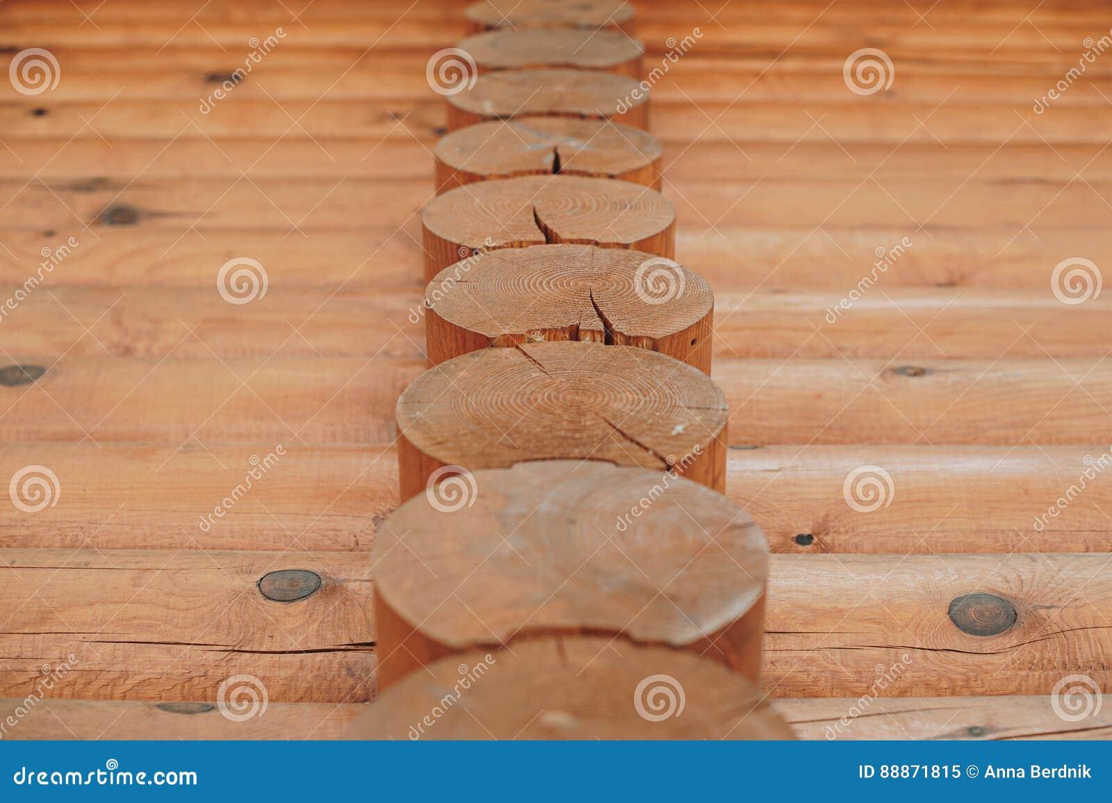 Détail des faisceaux dans le mur de carlingue Bois peint avec la peinture de fongicide