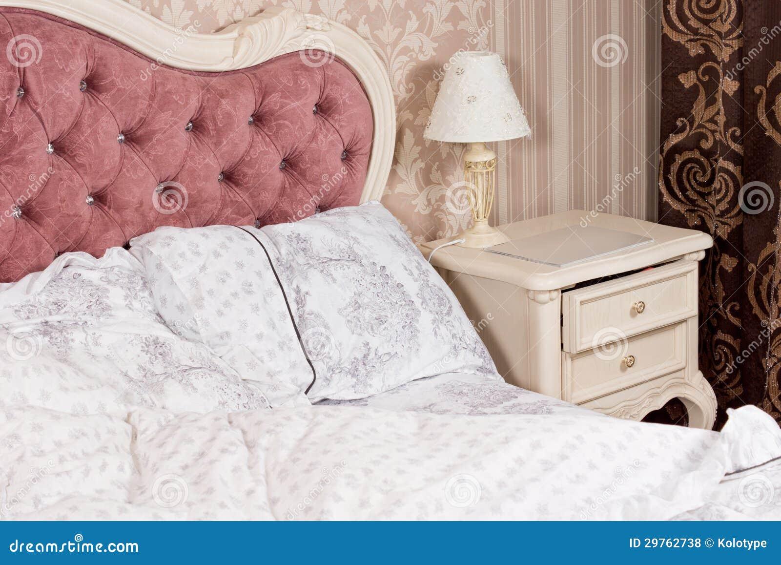 d tail de luxe d 39 int rieur de chambre coucher photos libres de droits image 29762738. Black Bedroom Furniture Sets. Home Design Ideas