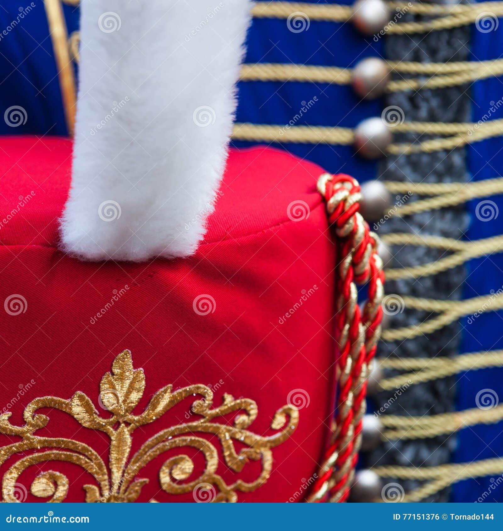 Détails de chapeau de bonnet de fourrure de hussard