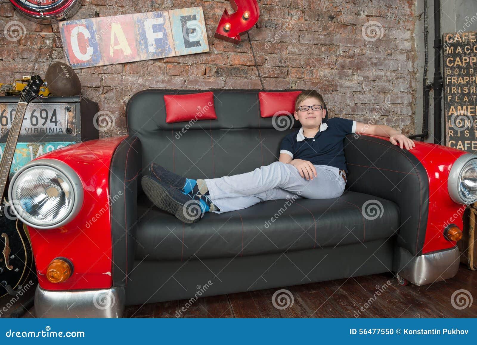 Détendez sur le divan