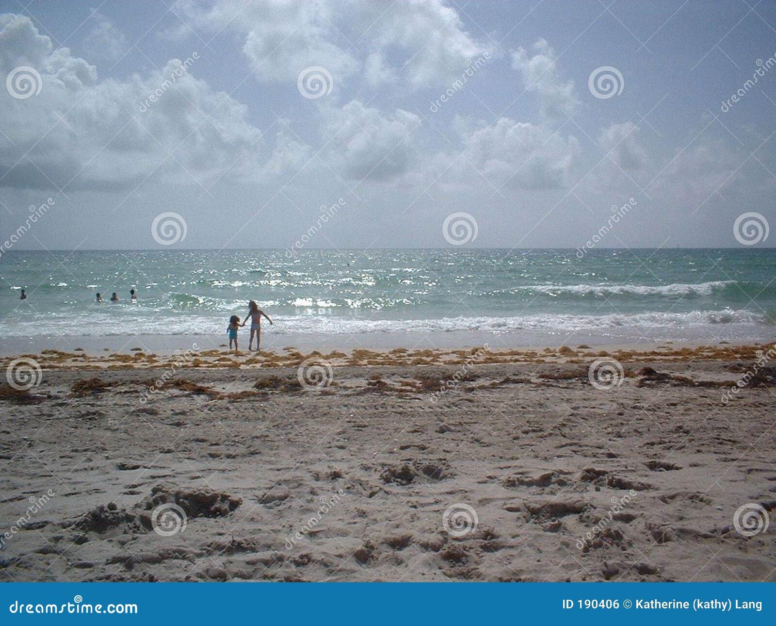 Día de las hermanas en la playa