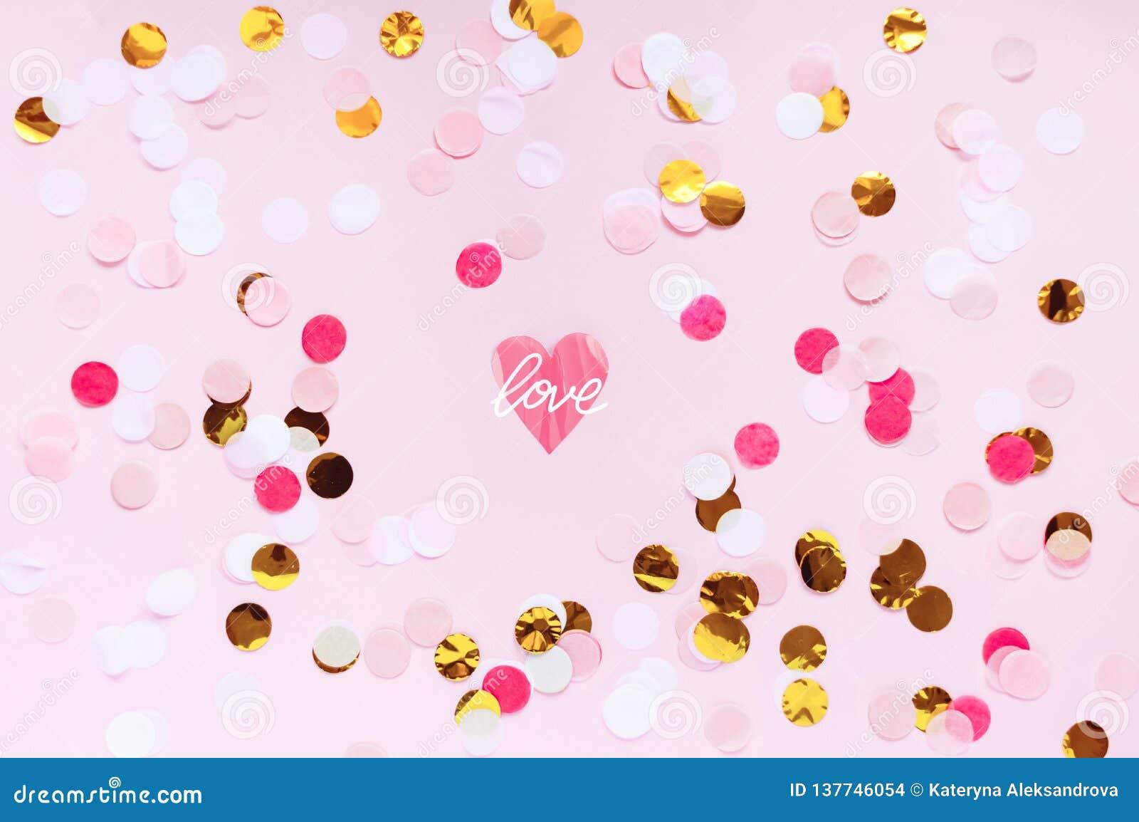 Día de San Valentín, fondo de saludo rosado del amor El plano pone con el modelo de punto colorido