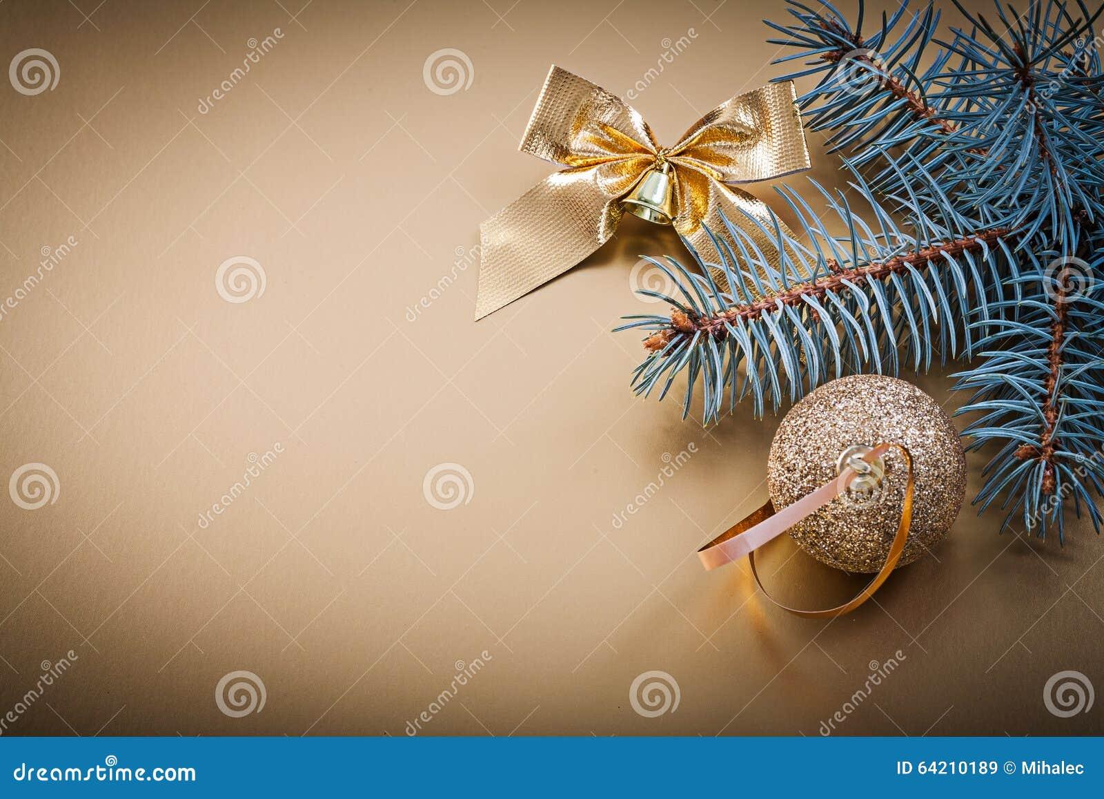 Días de fiesta de oro de la rama del abeto del arco de la bola de la Navidad