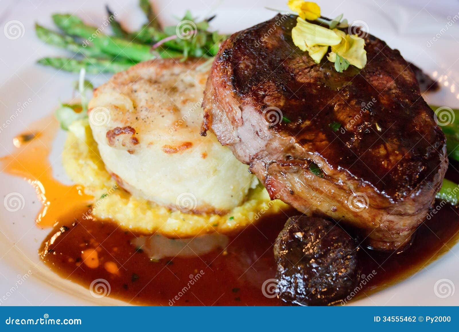 Dîner de bifteck de filet de boeuf