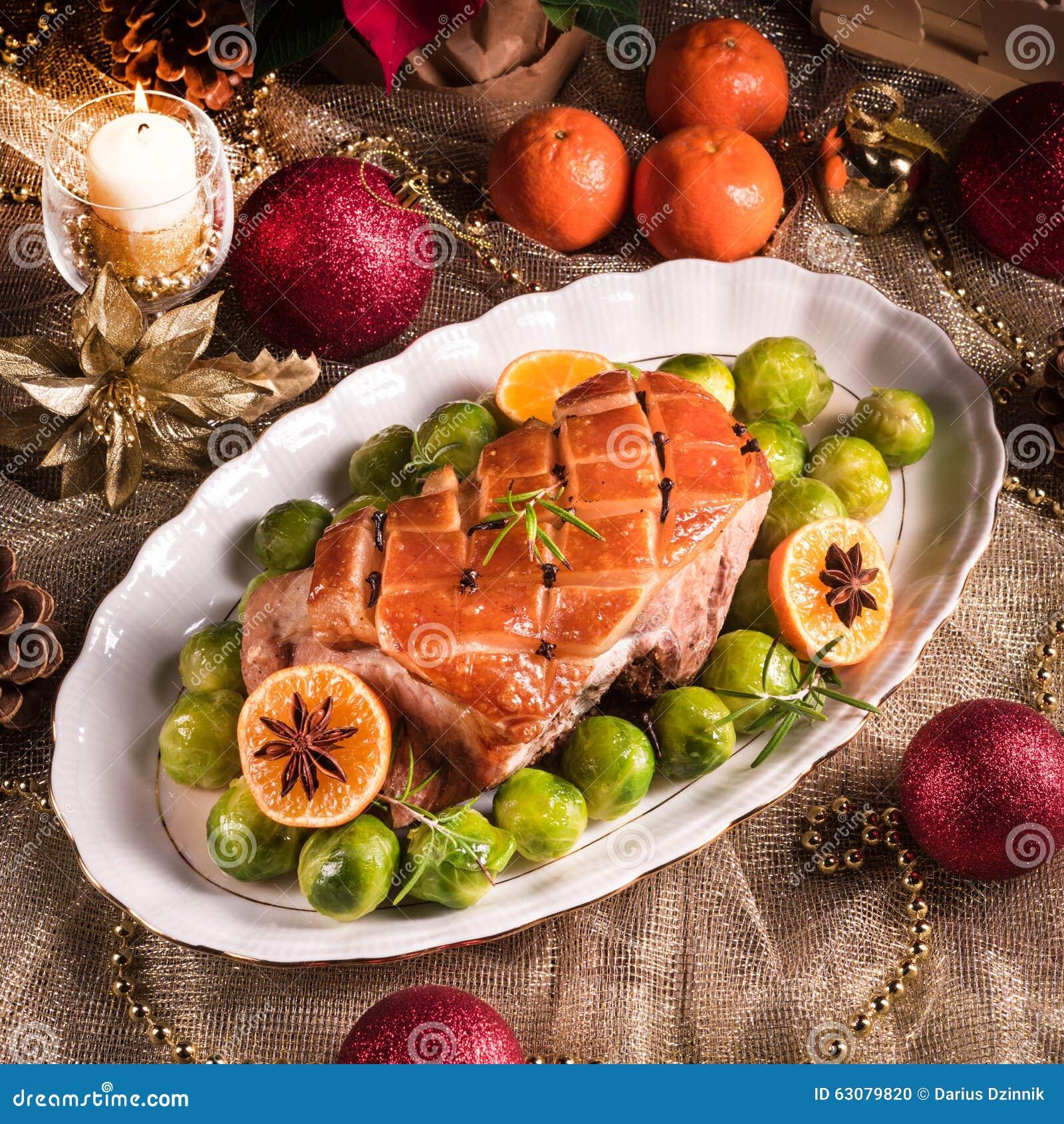 Download Dîner De Noël Avec Des Choux De Bruxelles En Sauce Orange Photo stock - Image du broccoli, baked: 63079820
