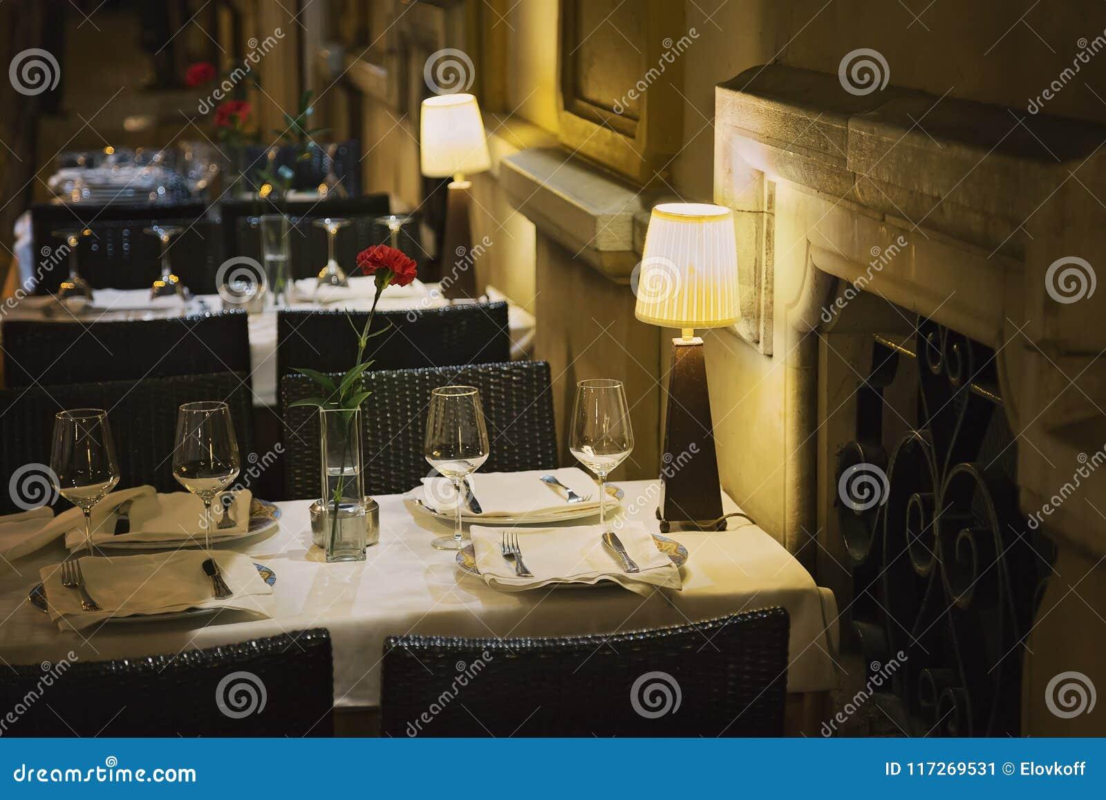 Dîner romantique de Séville à un restaurant de rue