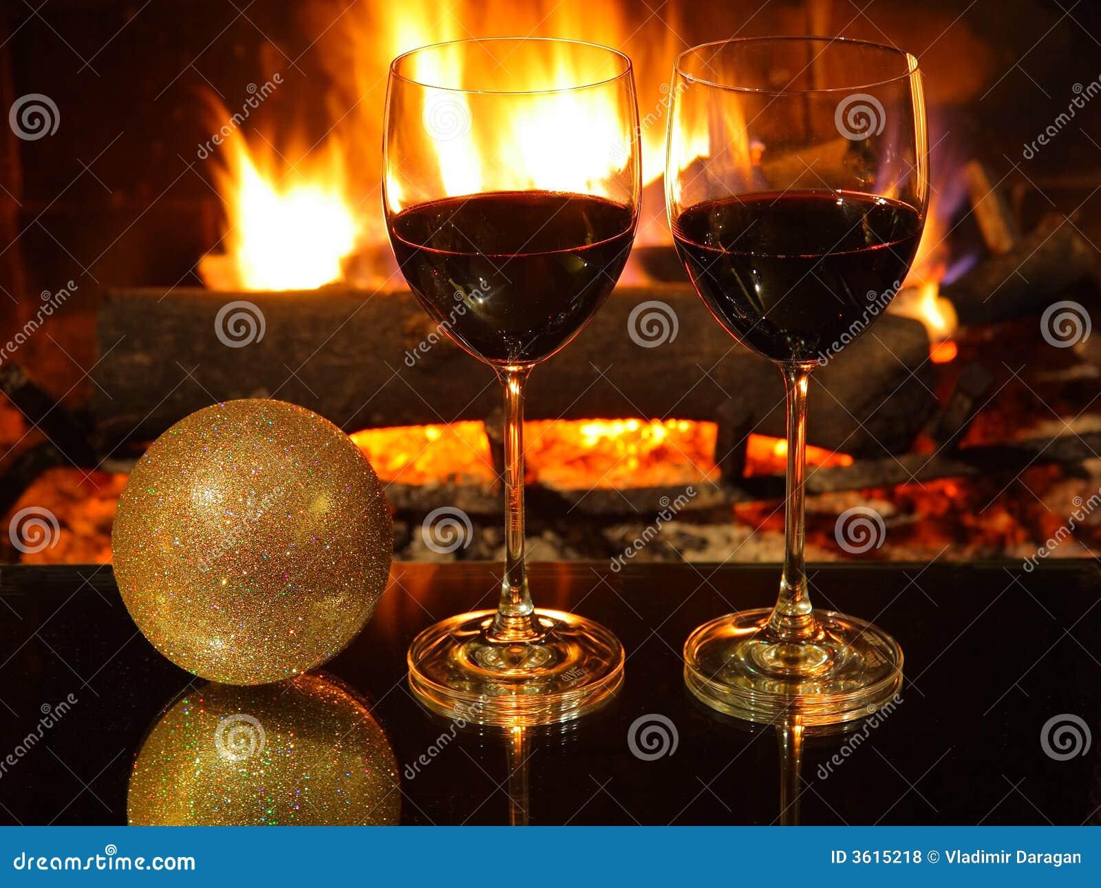 D ner romantique no l photo stock image du rouge - Decoration de noel cheminee ...