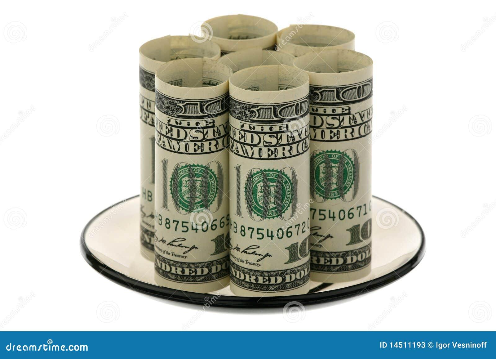 Dólar americano en un platillo de cristal
