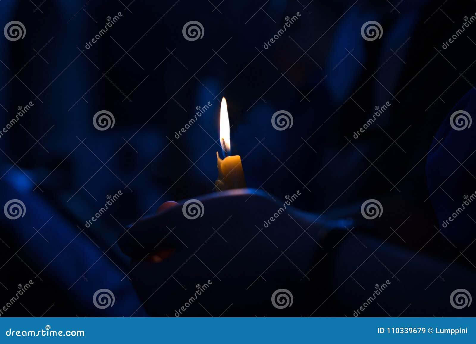 Döpa i kyrkan Katolicism och Orthodoxy stearinljus på