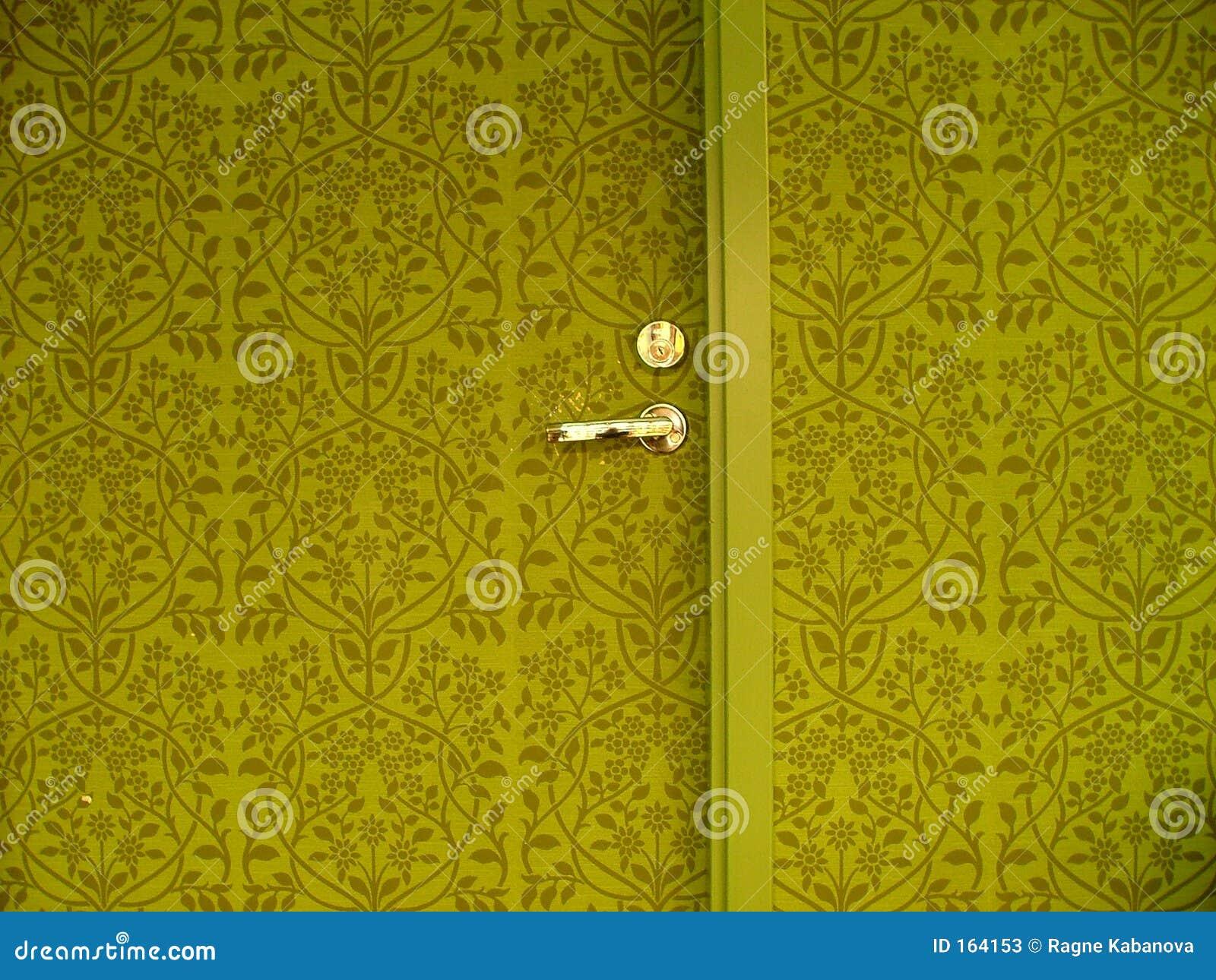 Dörrvägg