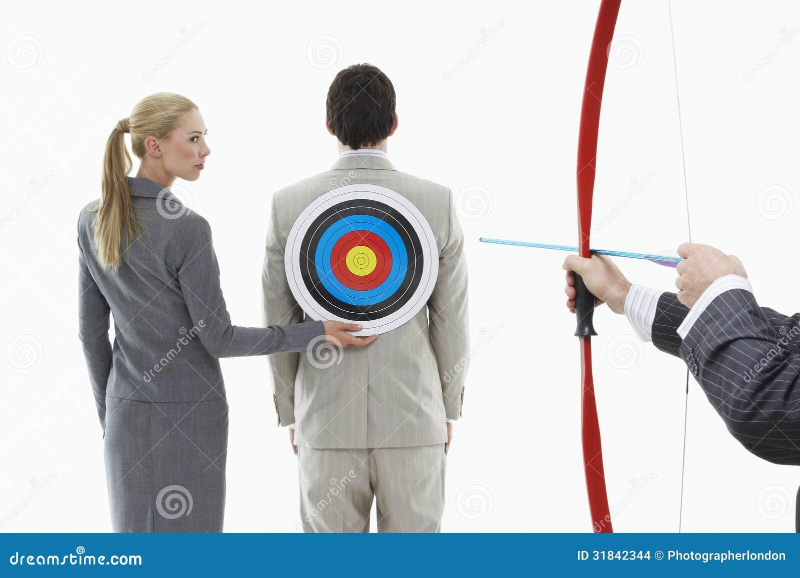 Dążąca strzała Przy celem Na biznesmena plecy