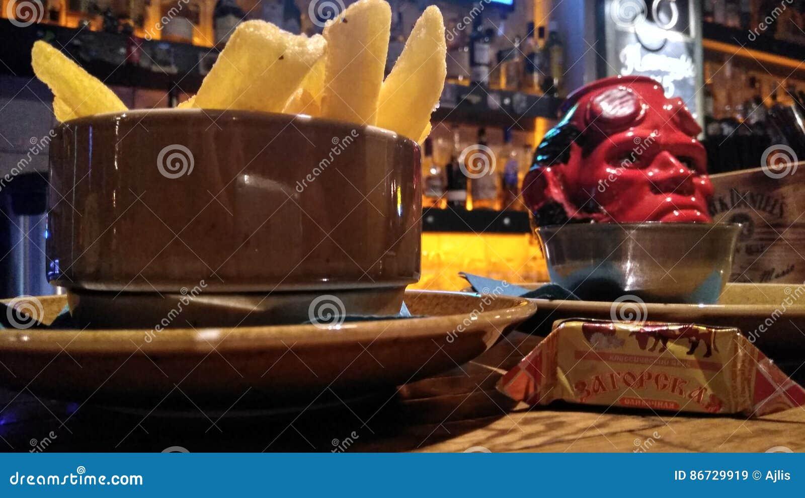 Dłoniaki w barze
