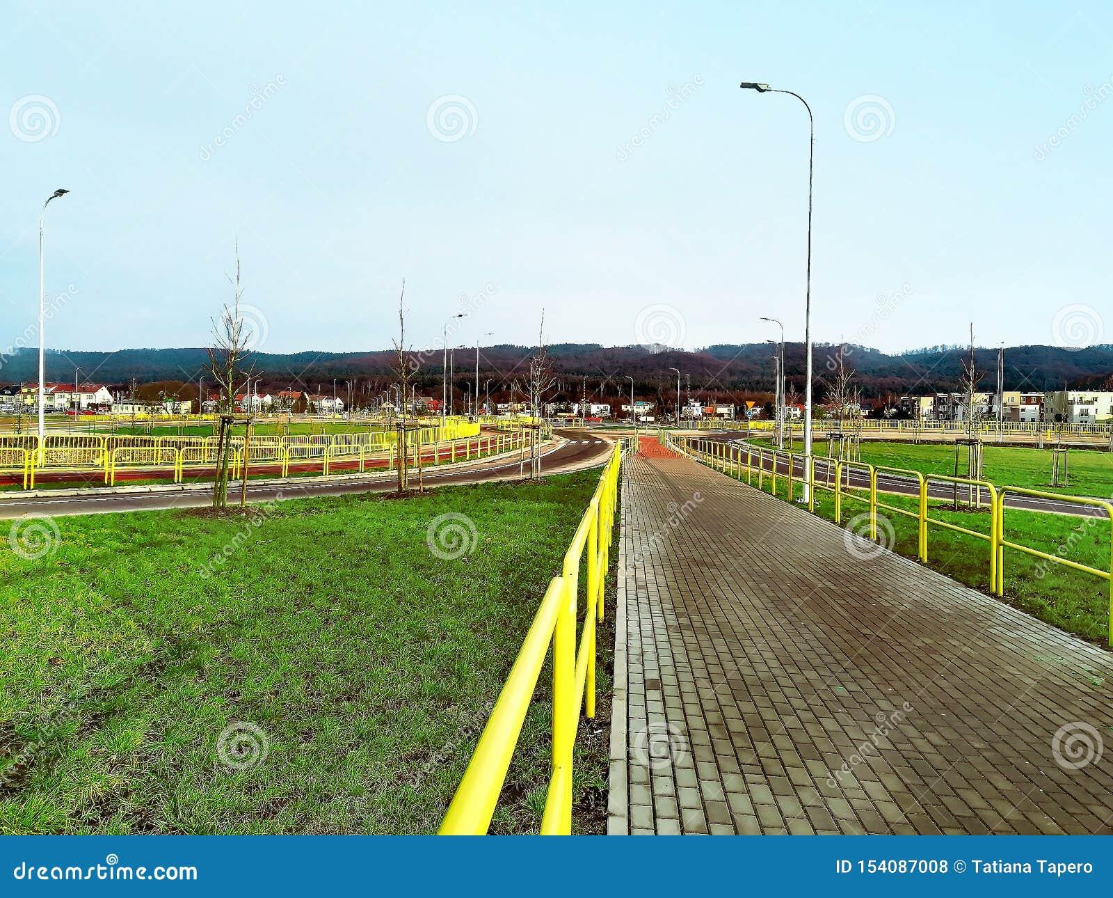 Długa droga w Polska, wczesna wiosna