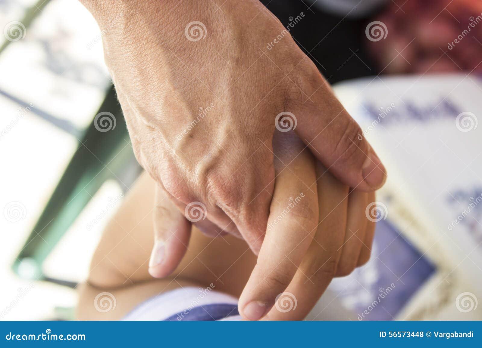 Download D200 χέρι nikon στοκ εικόνες. εικόνα από άνθρωποι, δέρμα - 56573448