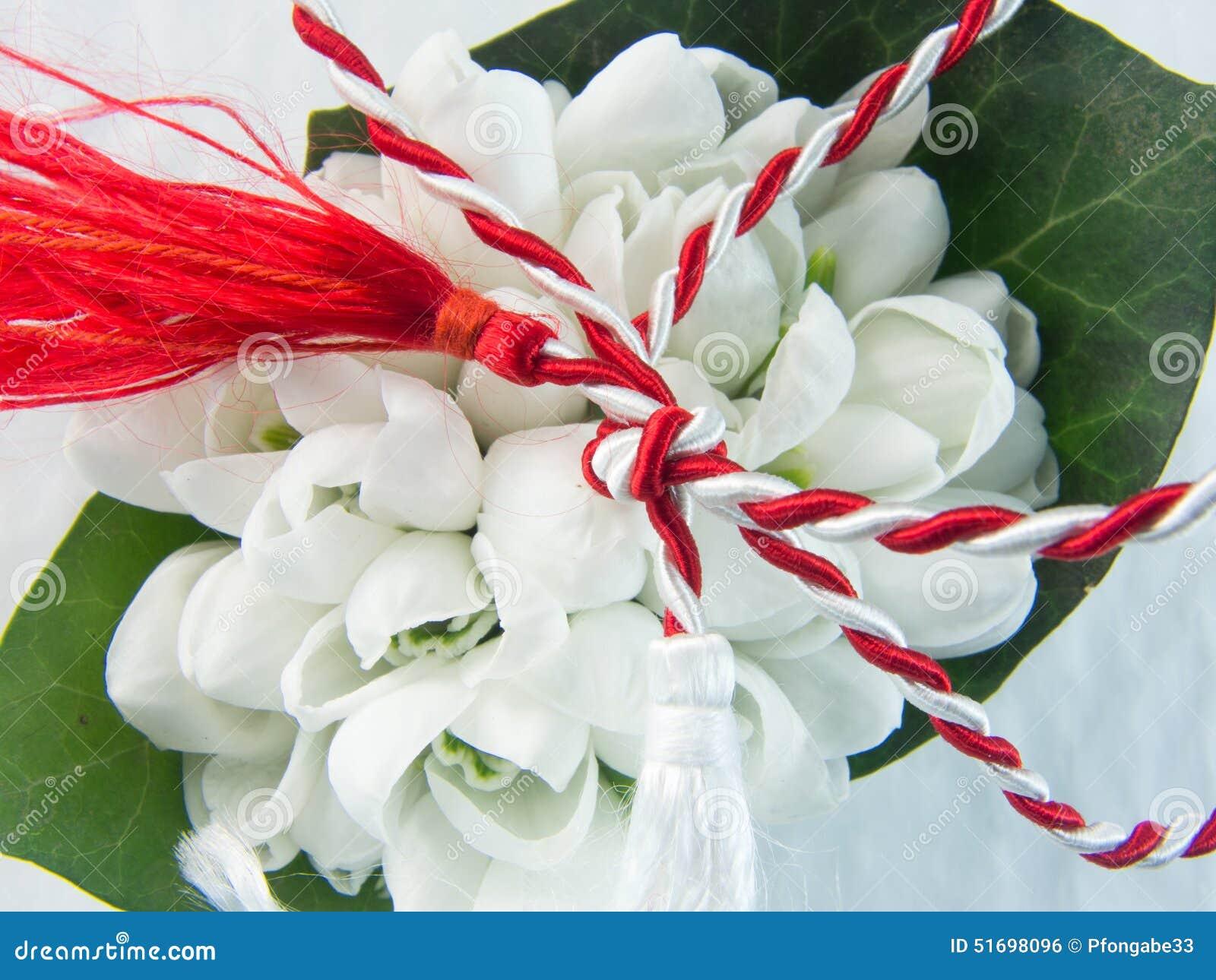 D abord de la corde blanche et rouge de tradition de mars