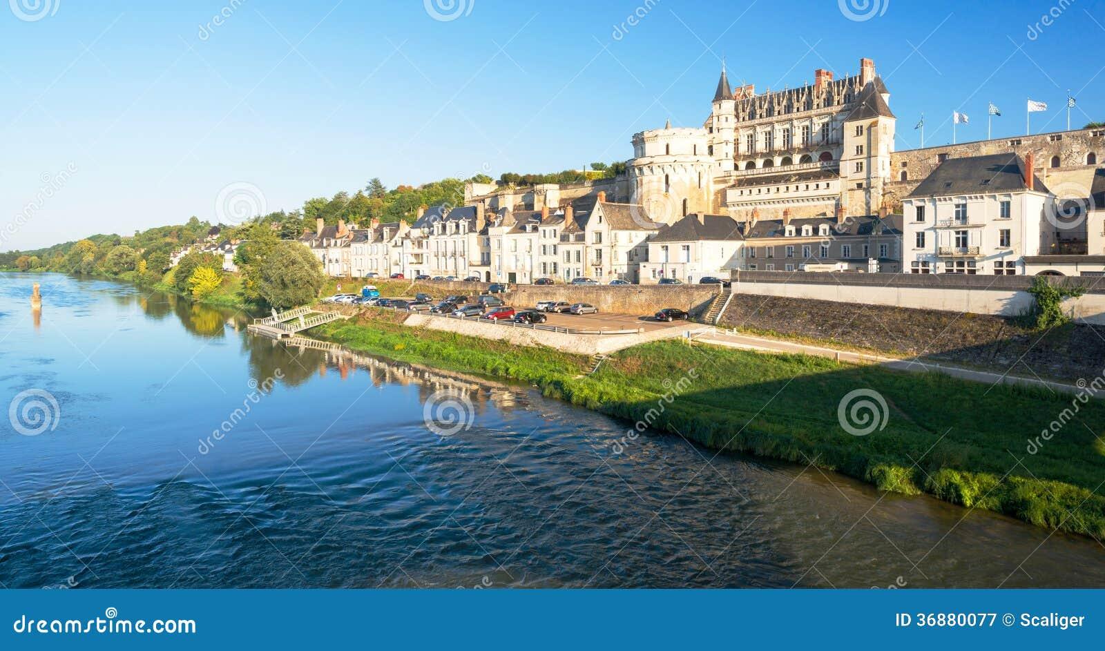 Download D'Amboise Del Castello Sul Fiume La Loira, Francia Immagine Stock - Immagine di giardino, fortress: 36880077