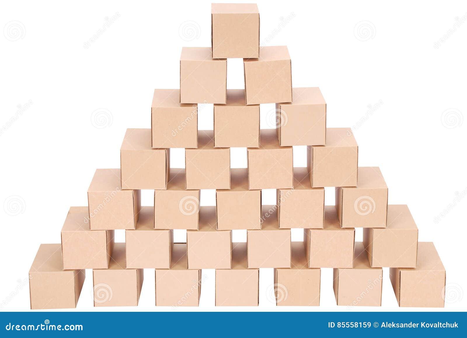 3D festgelegtes Bild Pyramide von den Kästen