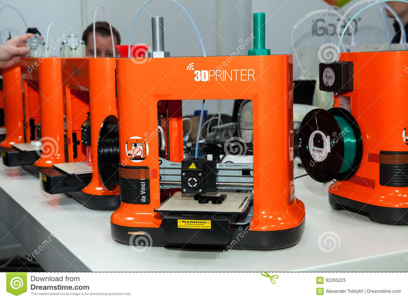 D Printing Exhibition Germany : 3d printer da vinchi mini printing close up process on exhibition