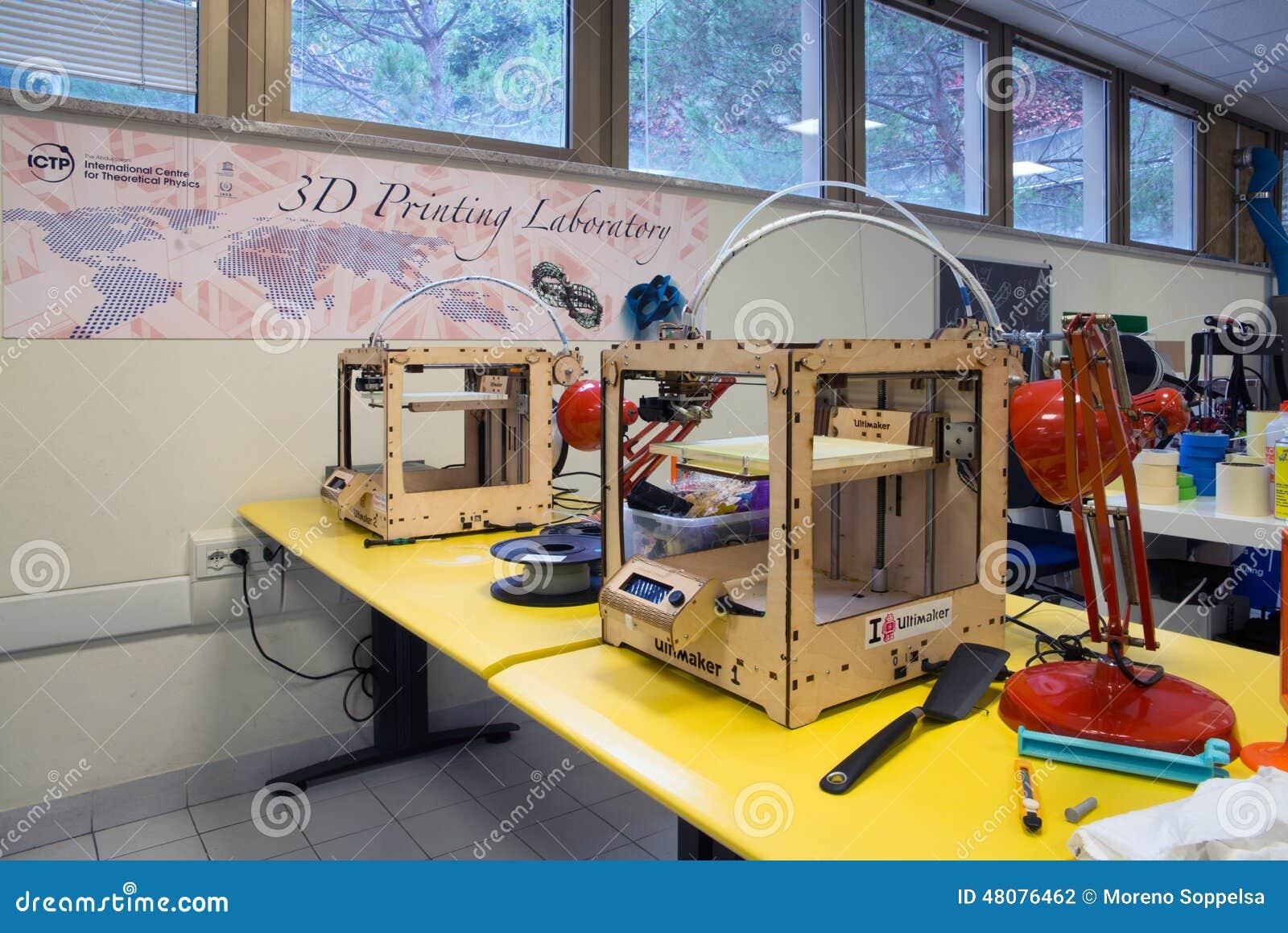 3d printing the italian scientific fablab editorial photography image 48076462 - 3d printer italia ...