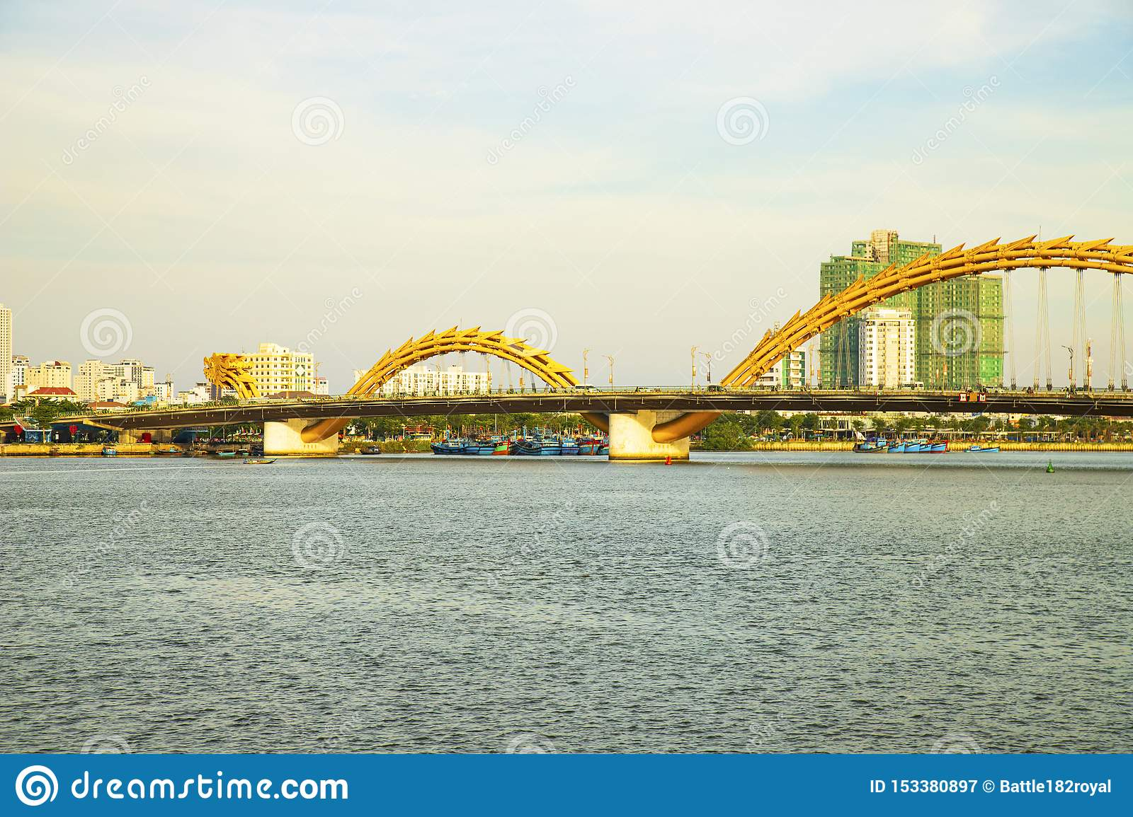 Da Nang, Vietnam - 23. JUNI 2019: Dragon Bridge in Danang, Vietnam