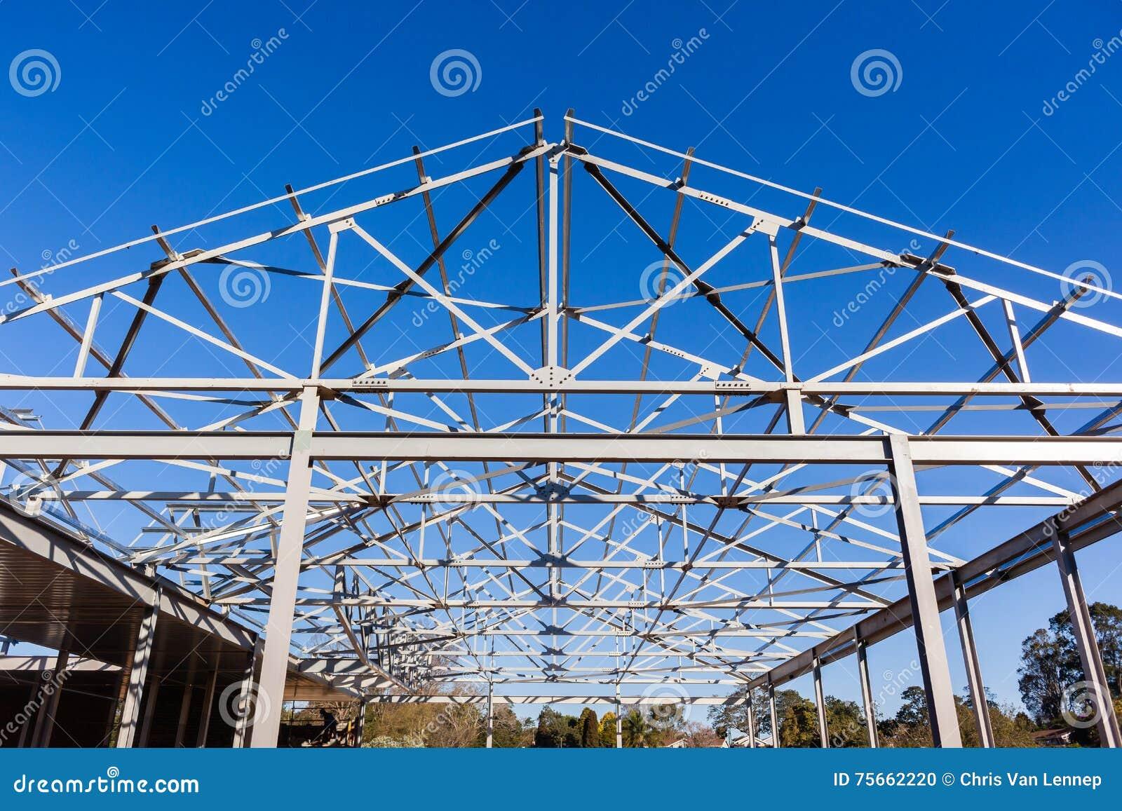 Dach-Stahl-Rahmenkonstruktion Stockfoto - Bild von träger, stahl ...