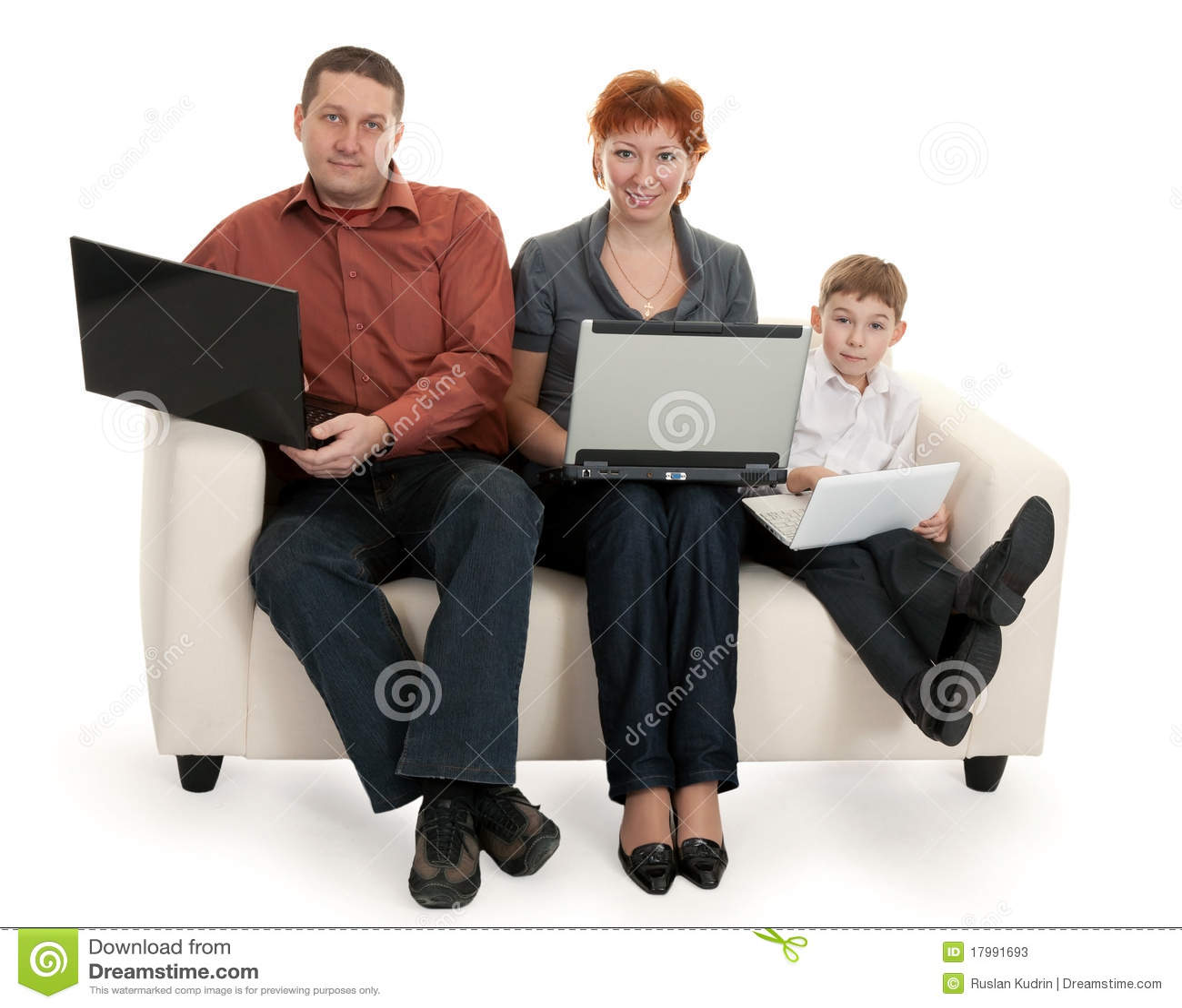 Сын с мамой на диване 20 фотография