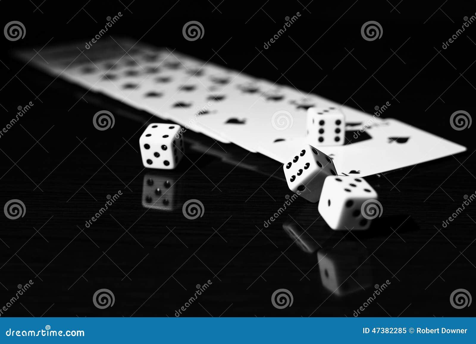 4 immagini una parola roulette dadi