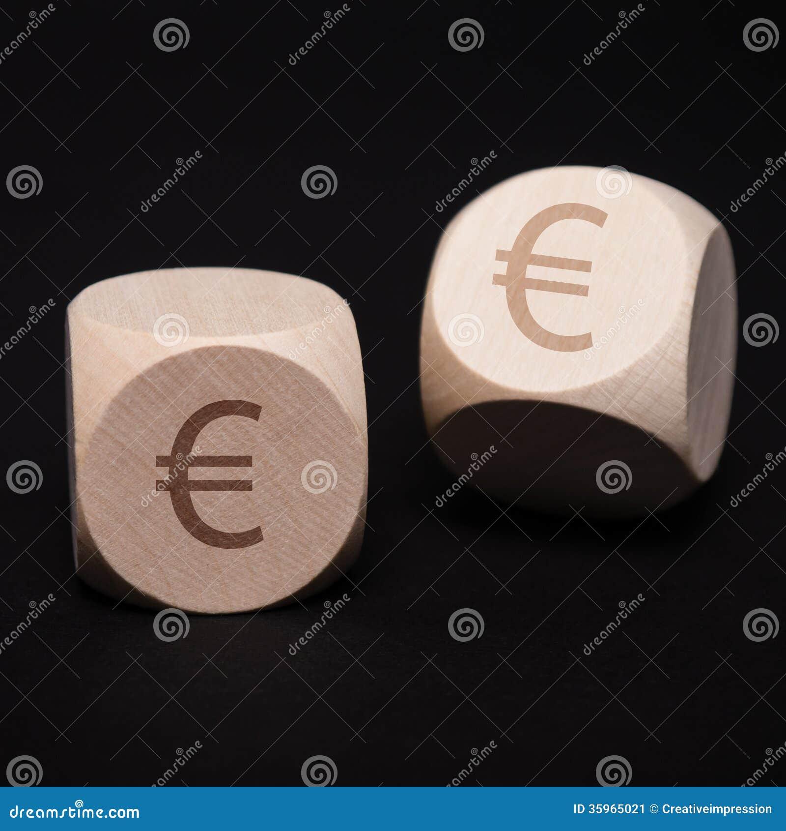 Dados con símbolo euro