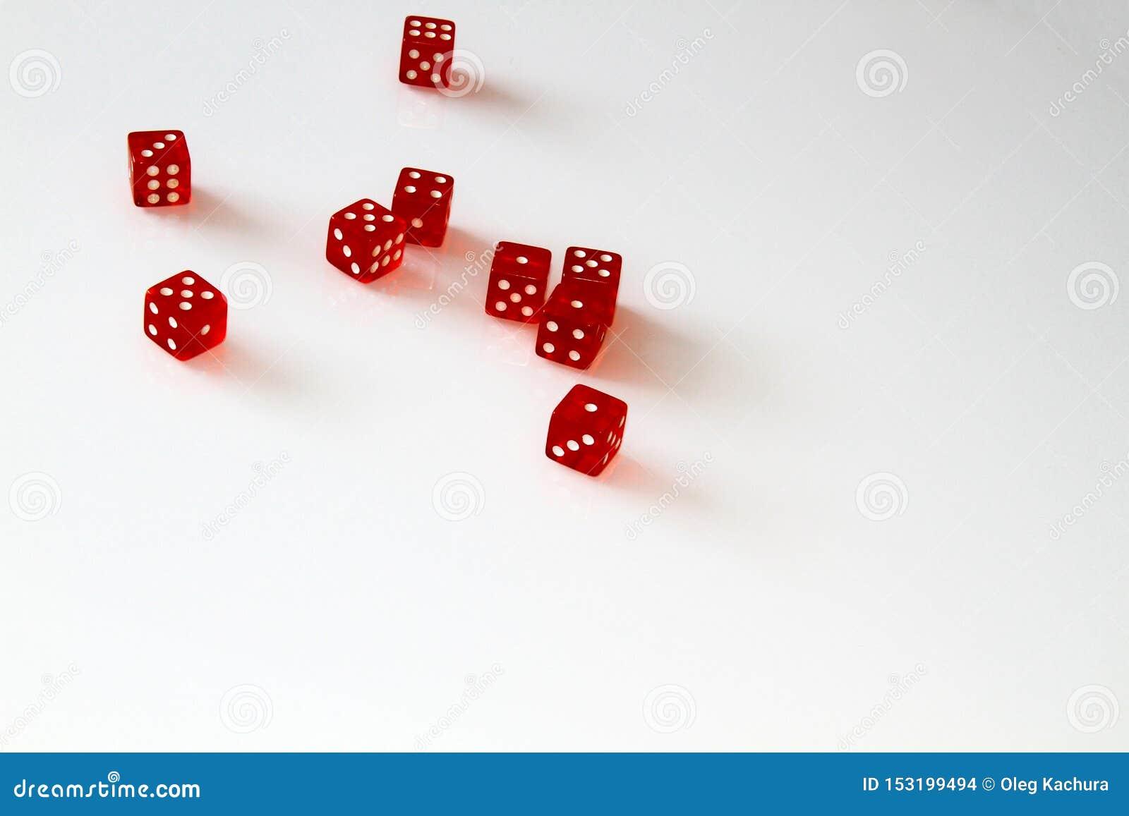 Dados do casino isolados no branco jogo isolate