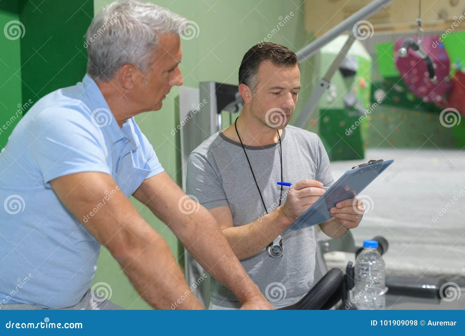 Dados pessoais da gravação do instrutor da atividade