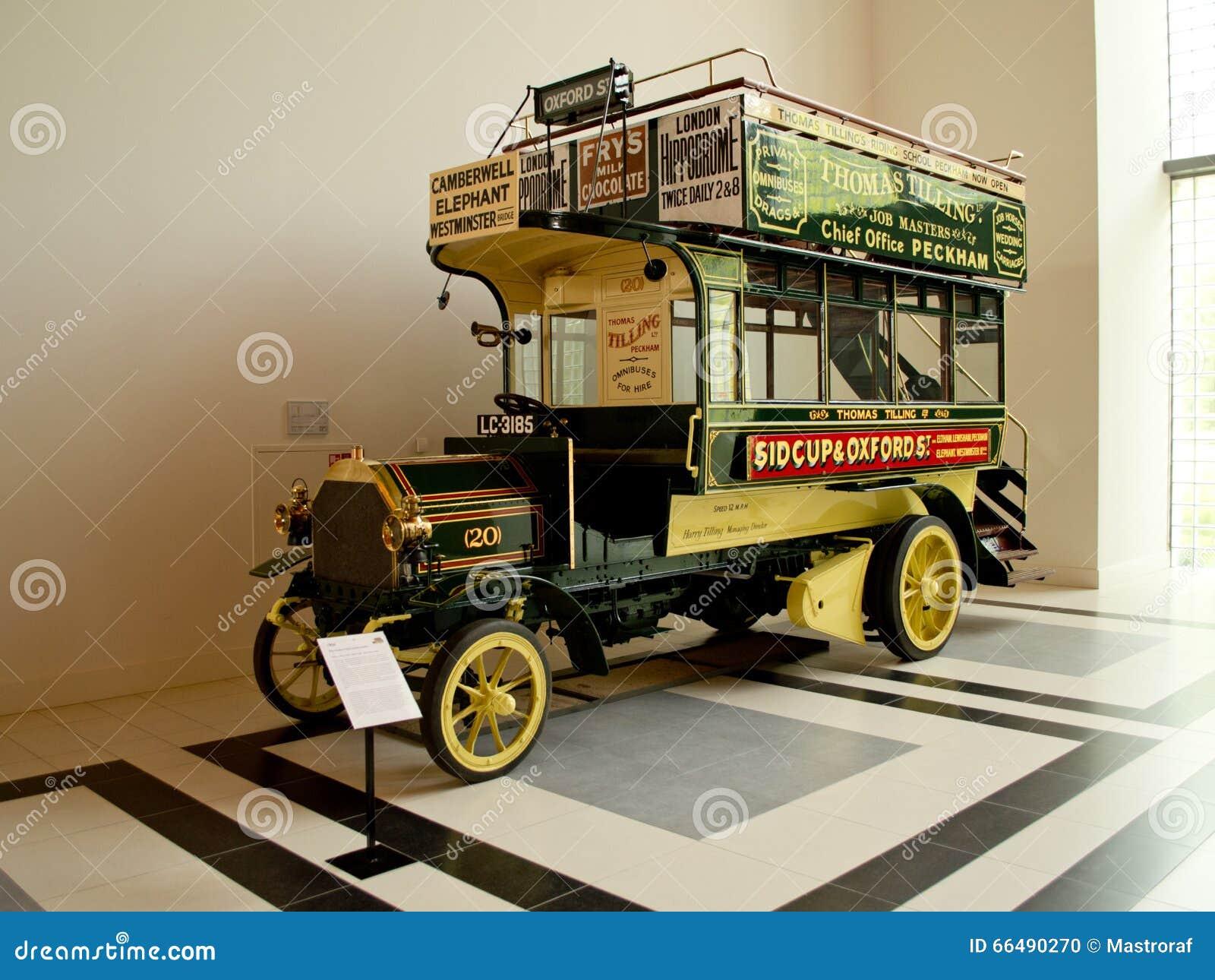 Daimler 6-HP fura przy Louwman muzeum