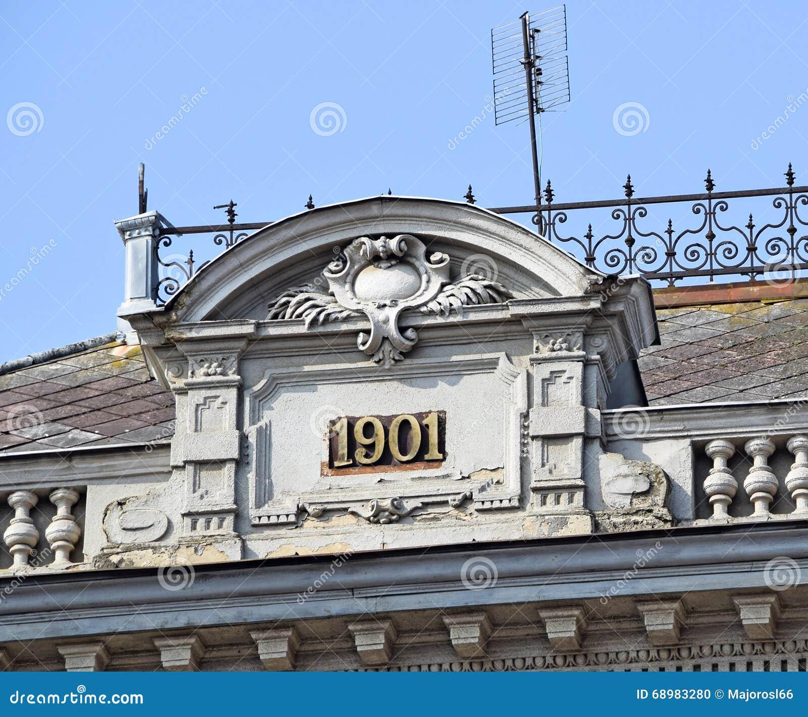Dak van een oud gebouw