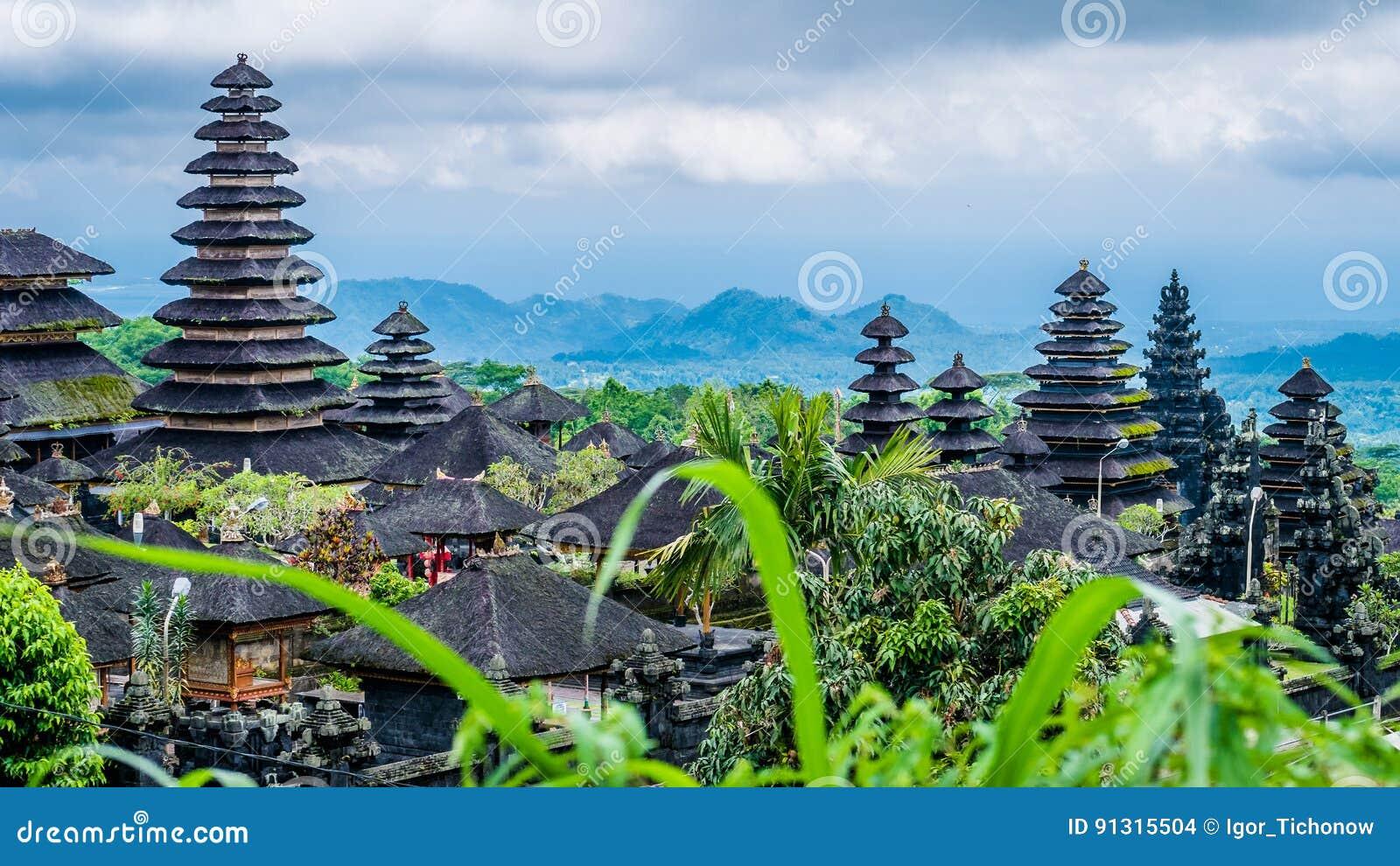 Daken in Pura Besakih Temple in het Eiland van Bali, Indonesië