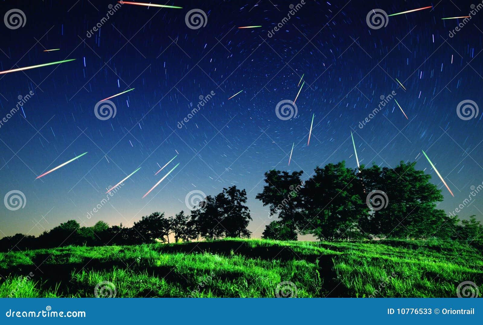 Dalende sterren bij nacht