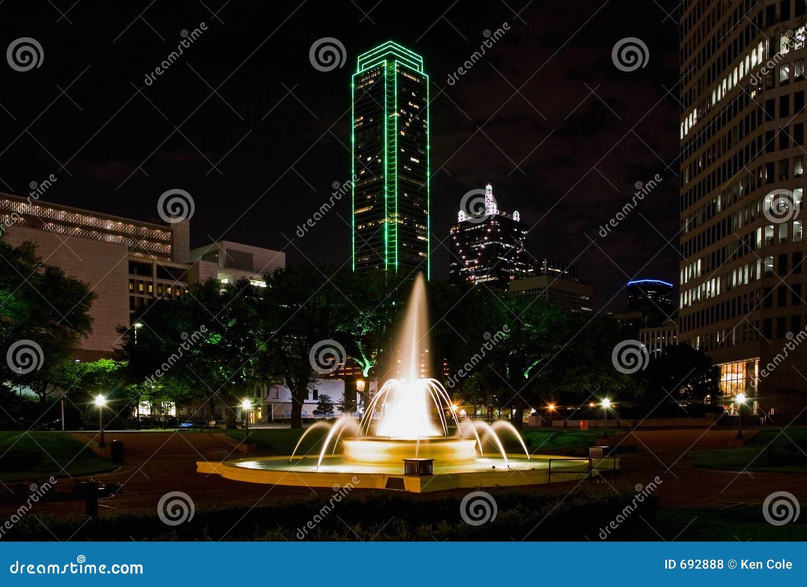 Dallas bij Nacht